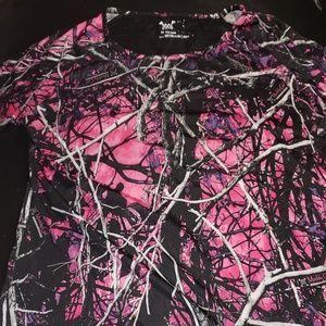 Muddy girl shirt